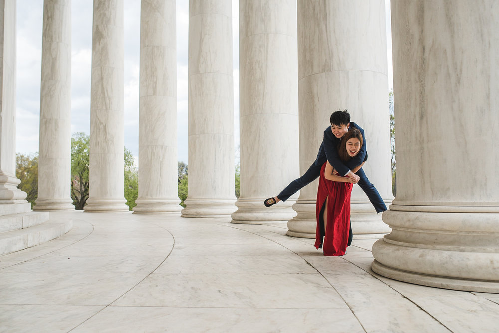 Creative engagement photographer Lincoln Memorial
