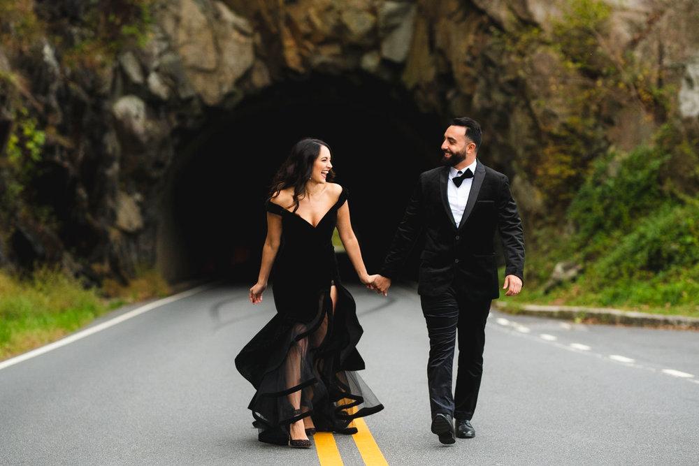 Shenandoah national park engagement pictures at tunnel parking overlook