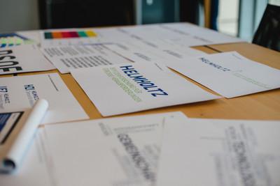 yellow too freut sich, daß heute das von uns entwickelte Corporate Design für die Helmholtz Gemeinschaft den Mitgliedern vorgestellt wird. Spannendes Projekt, tolles Team und ein überzeugendes Ergebnis. - > zu den Helmholtz News