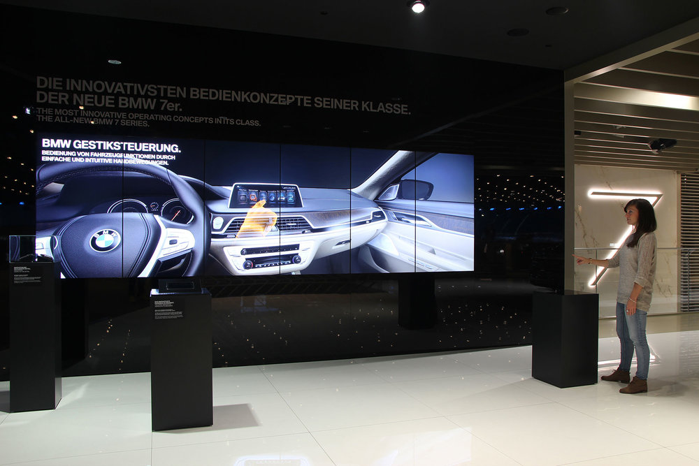yellow_BMW_IAA2015_14.jpg
