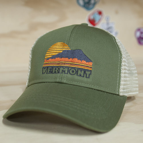 green hat front smaller.jpg 09231f676a8