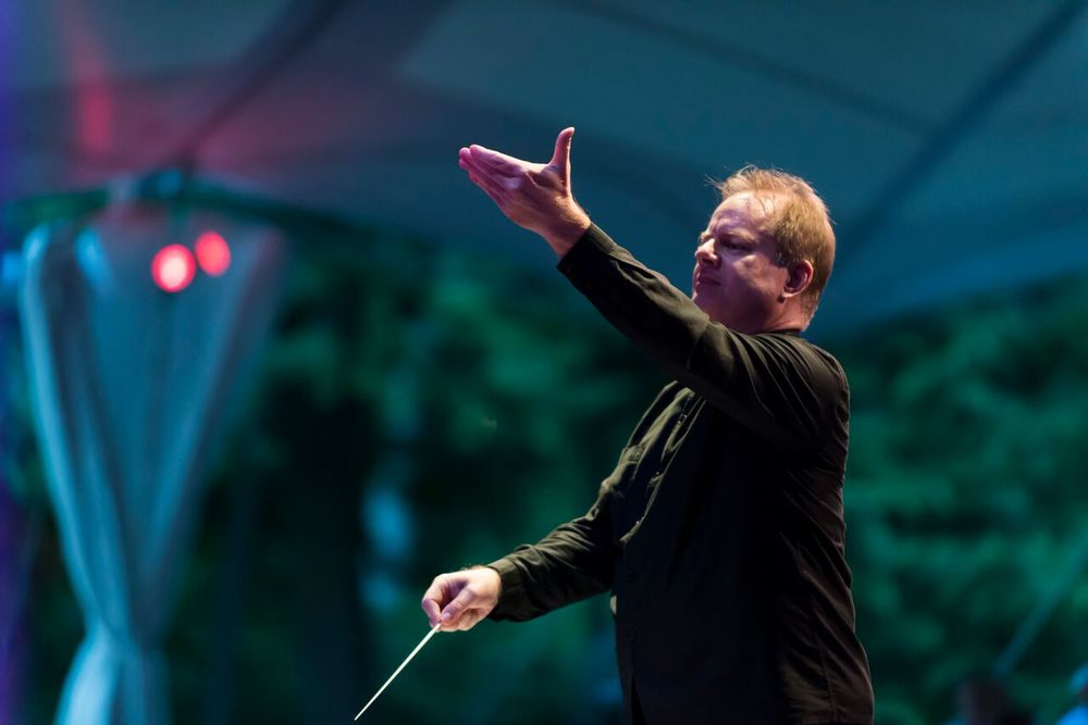 Will Crutchfield conducts opera for Bel Canto at Caramoor in the Venetian Theatre