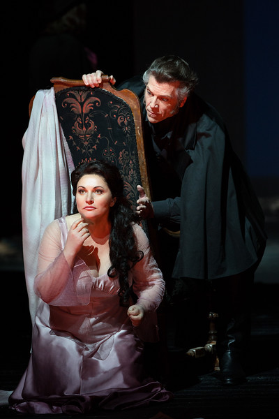 Thomas Hampson as Dr. Miracle and Hibla Gerzmava as Antonia