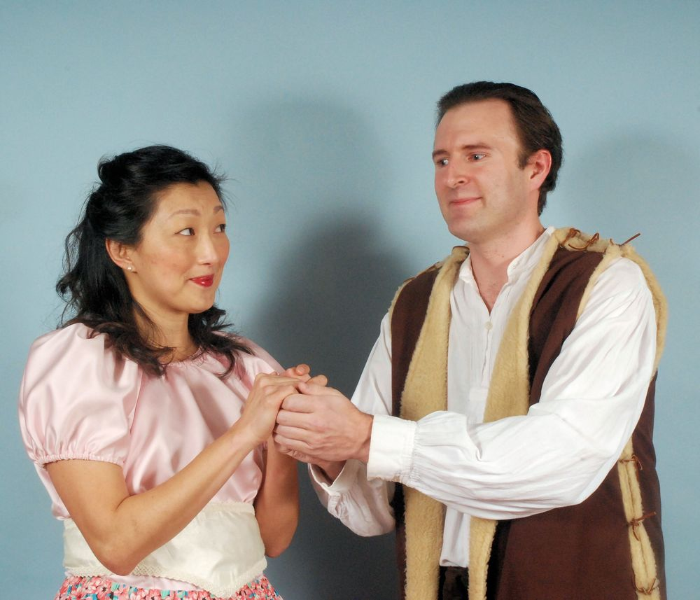 Miran Roberts as Phyllis and David Richy as Strephon in Troupers'  Iolanthe