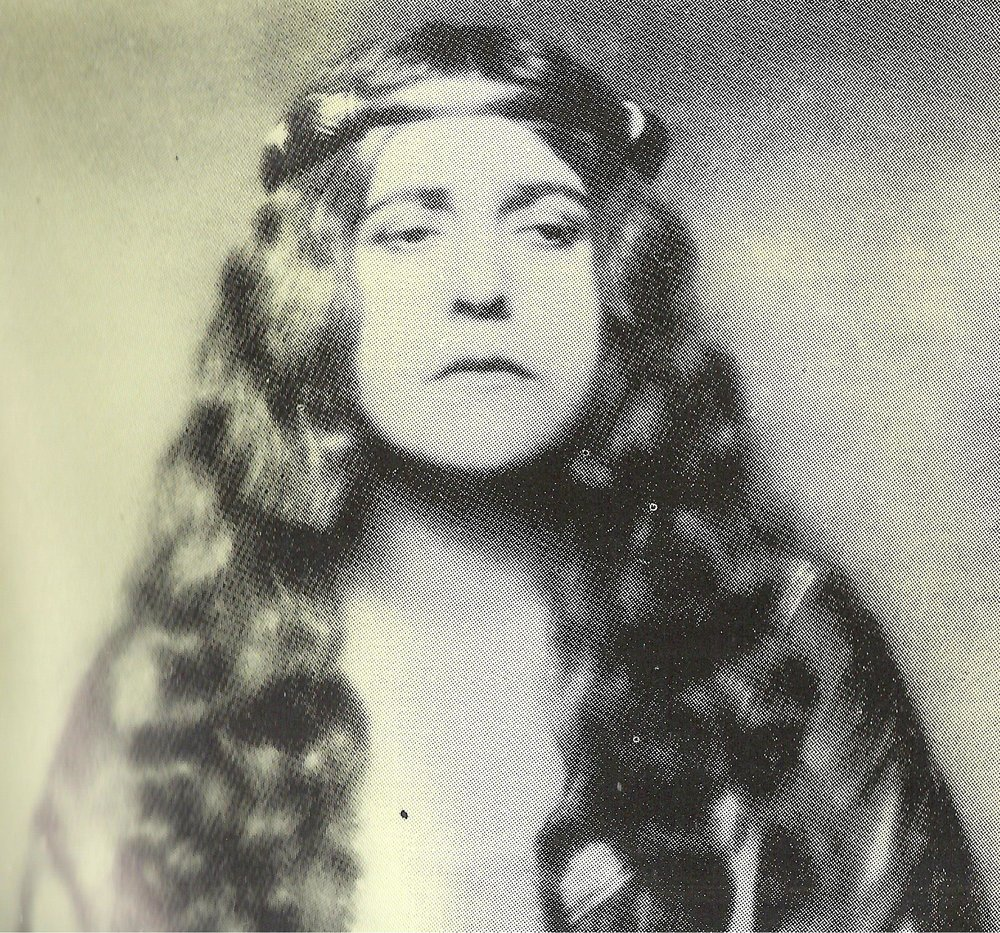 Frieda Leider, Flagstad's predecessor, is a formidable Isolde too