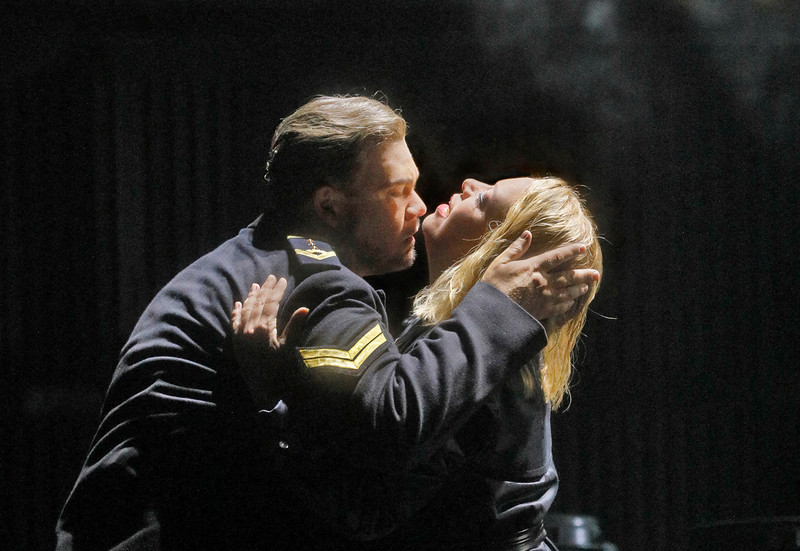 Stuart Skelton and Nina Stemme as Tristan and Isolde