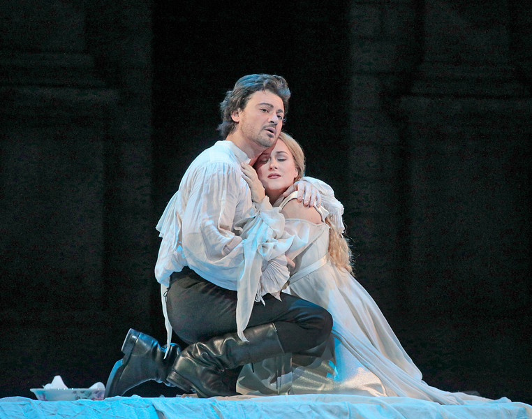 Vittorio Grigolo and Diana Damrau in the Met's new  Roméo et Juliette