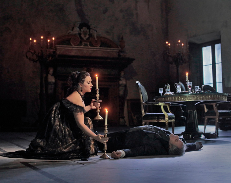 Tosca closes the deal in a manner different from Scarpia's expectations