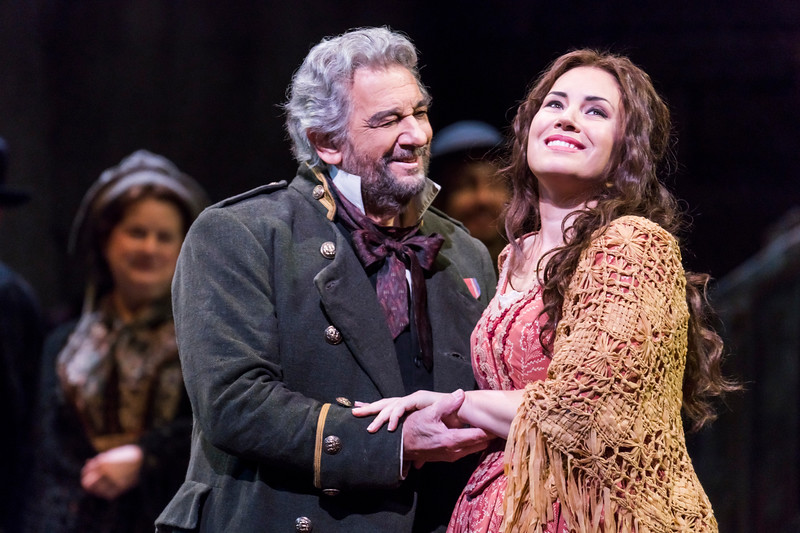 Miller (Placido Domingo) and Luisa (Sonya Yoncheva) in the village
