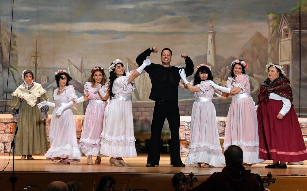 Erick Sanchez-Canahuate as Richard Dauntless wows the Bridesmaids
