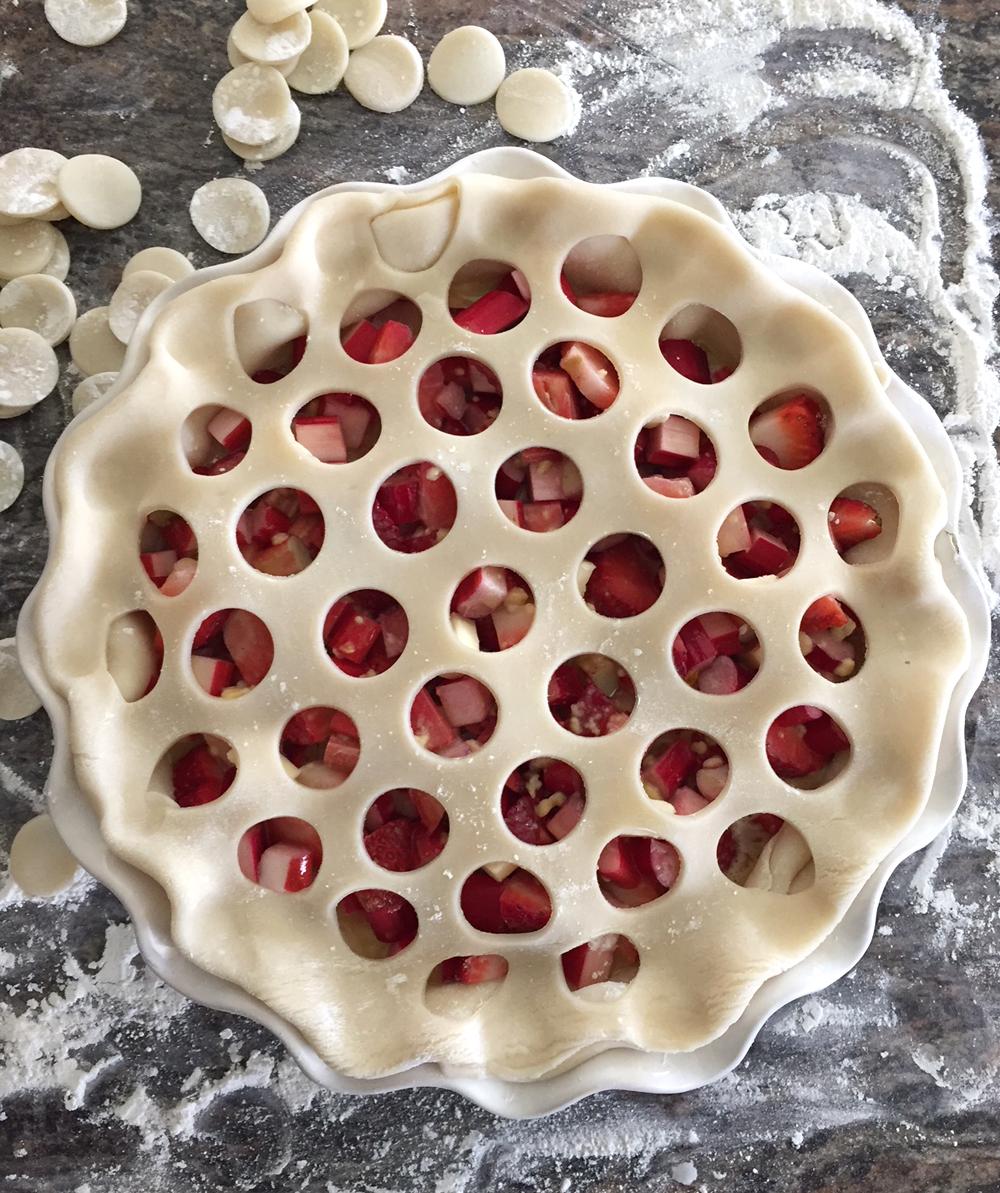 Easy Strawberry Rhubarb Pie Recipe 1.jpg