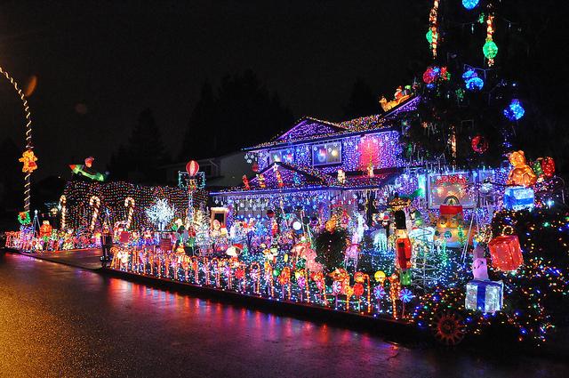 Christmas-House-Lights-MartialArtsNomad.-com.jpg