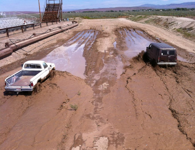 mud racing6.PNG