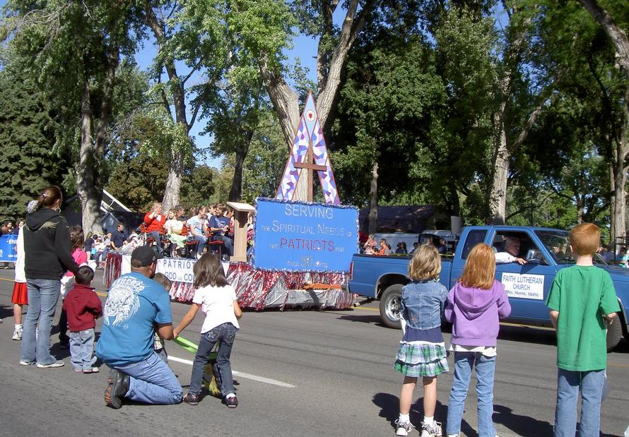 parade2.PNG