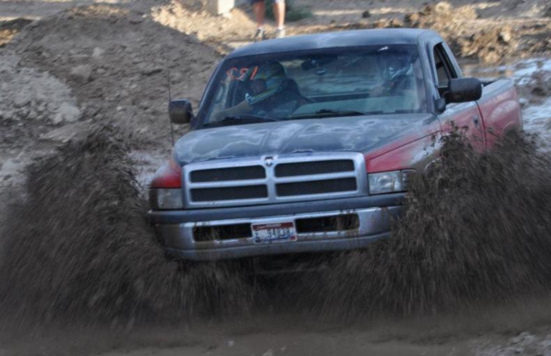 mud bogs 3.PNG