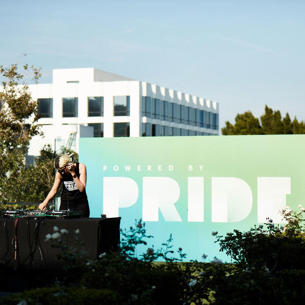 H_EQX_pride_la_DJ.jpg