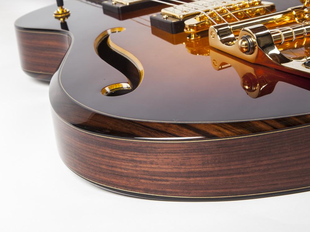 guitar_E008_gallery_c.jpg