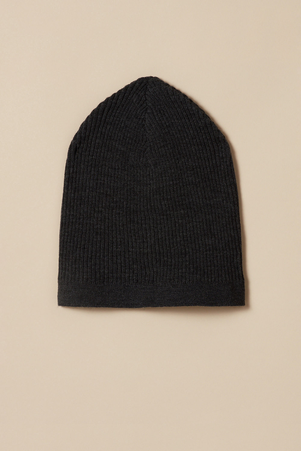 Knitted rib hat in fine wool