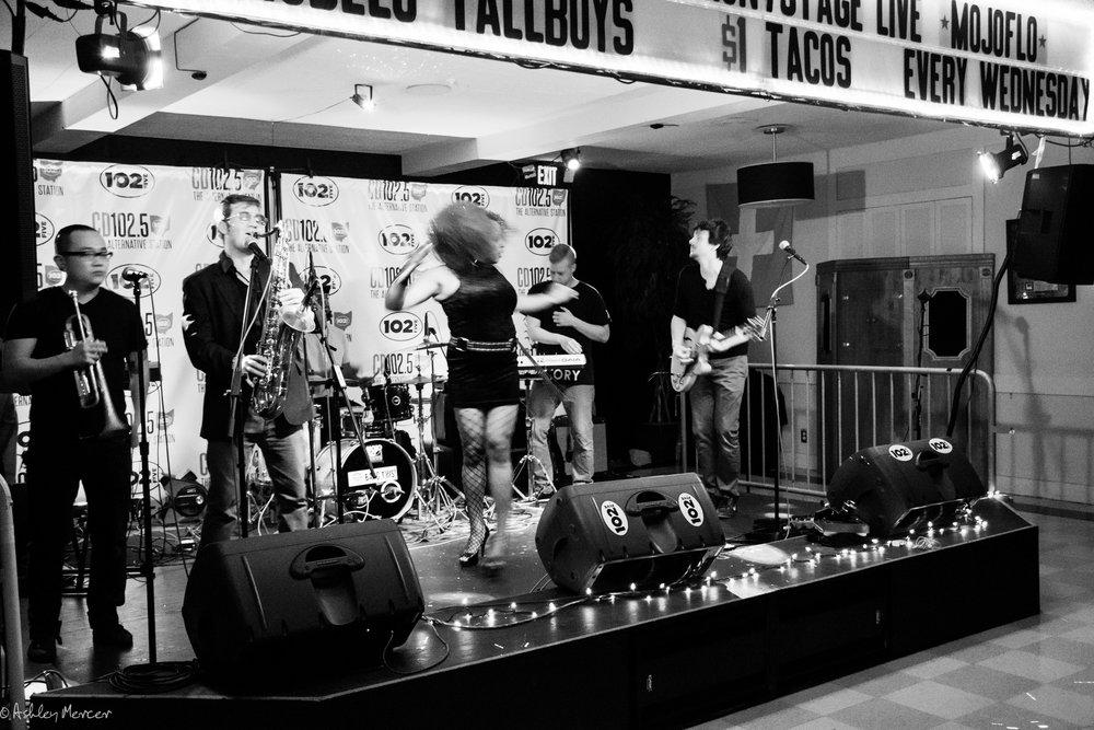 mojoflo front stage-11.jpg