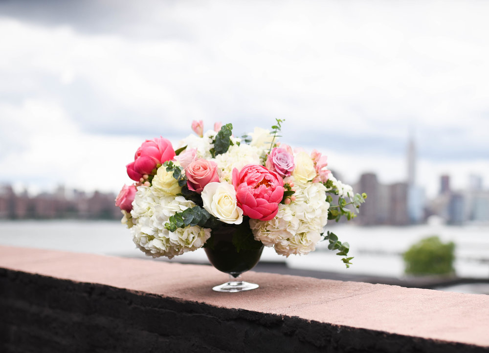 A soft summer centerpiece in New York City