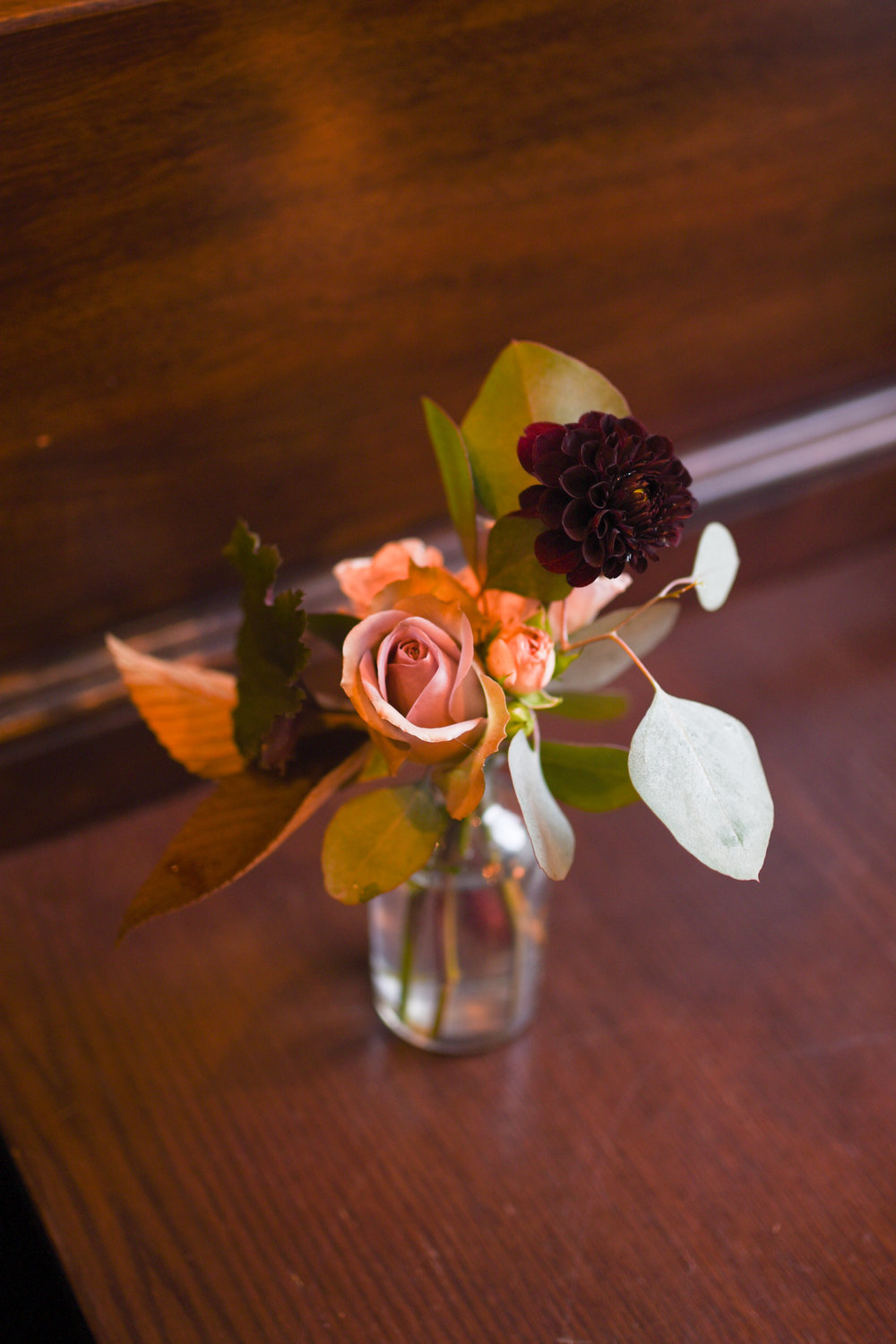 A variety of greens is one of the most attractive parts of the wedding flowers
