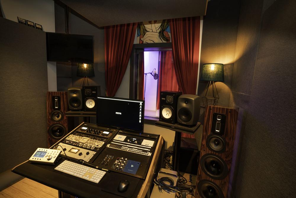 The 'Broadway' Studio B