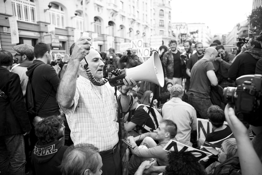 Oscar_Arribas_spanish_revolution_sol_15m_project_photography_madrid_españa_reportaje_commision_streets_coverage_revolution_45.jpg