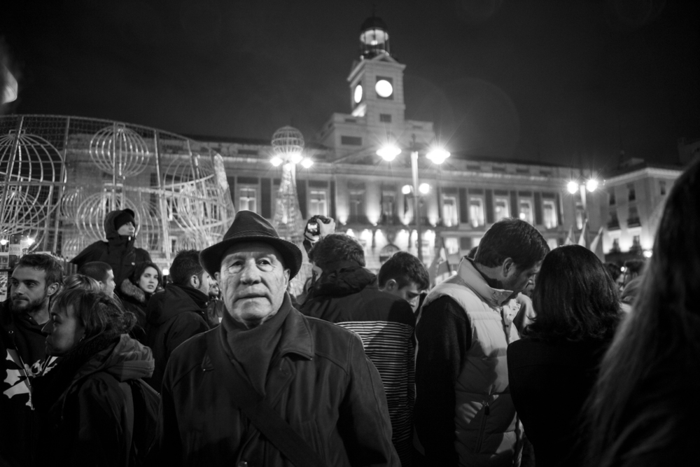 Oscar_Arribas_spanish_revolution_sol_15m_project_photography_madrid_españa_reportaje_commision_streets_coverage_revolution_93.jpg