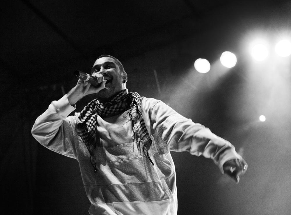 Oscar-arribas-photography-fotografo-portrait-retrato-editorial-concert-live-music-photography-scenario-stage-rap-hiphop-reggae-dancehall-directo-concierto-11-kase-o-javier-ibarra-vdv-violadores-del-verso.jpg