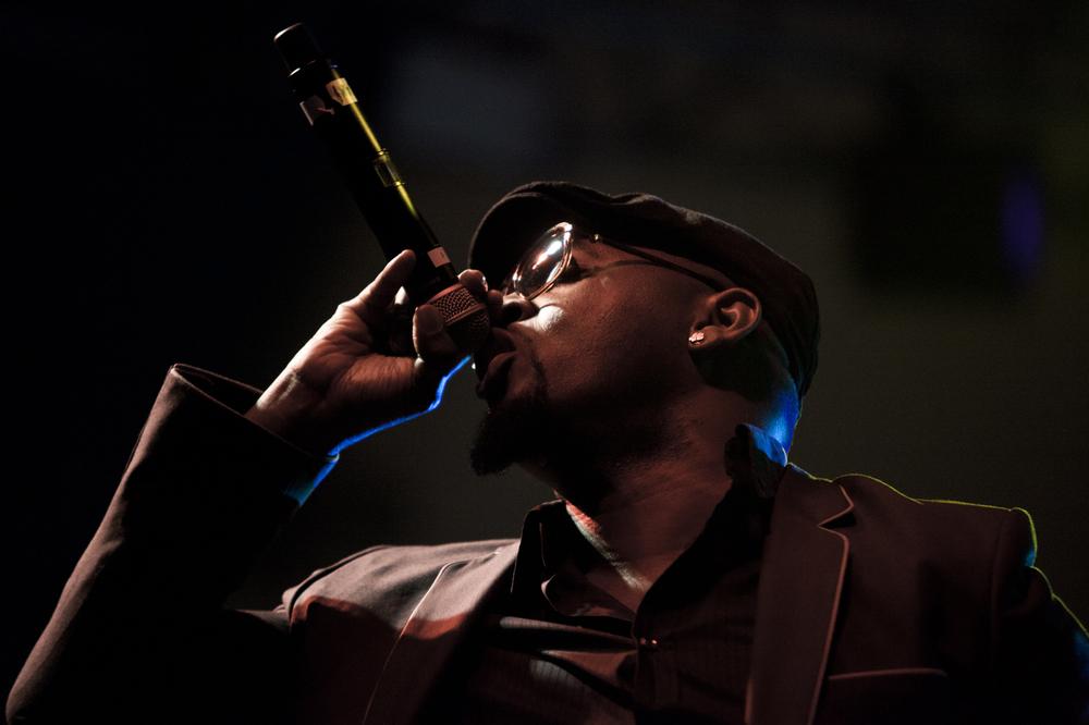 Oscar-arribas-photography-fotografo-portrait-retrato-editorial-concert-live-music-photography-scenario-stage-rap-hiphop-reggae-dancehall-directo-concierto-20-frank-t-fran.jpg