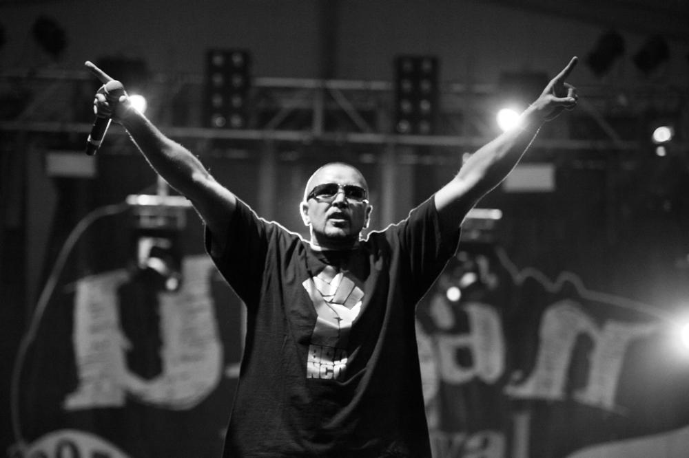 Oscar-arribas-photography-fotografo-portrait-retrato-editorial-concert-live-music-photography-scenario-stage-rap-hiphop-reggae-dancehall-directo-concierto-32-meswy-cpv.jpg
