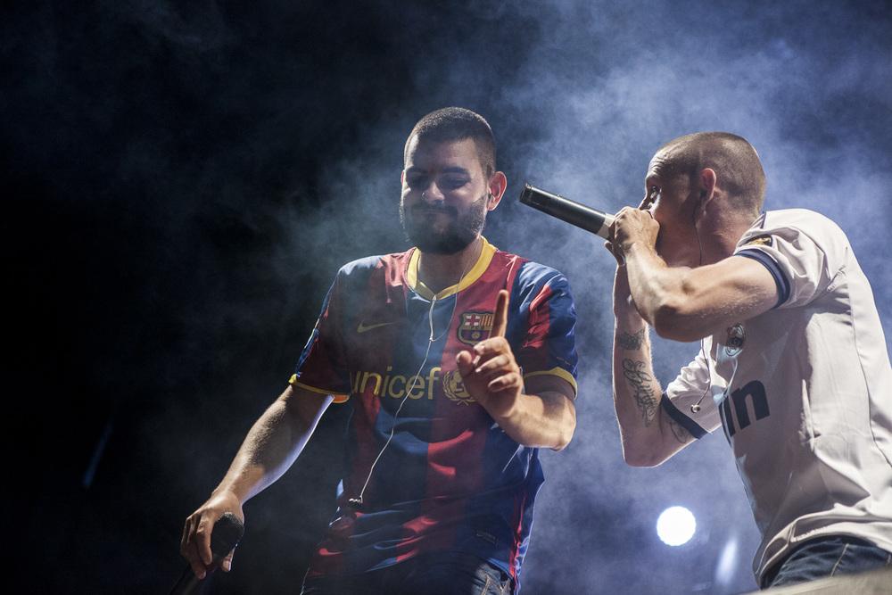 Oscar-arribas-photography-fotografo-portrait-retrato-editorial-concert-live-music-photography-scenario-stage-rap-hiphop-reggae-dancehall-directo-concierto-39-origenes-victor-rutty-rober-del-piro-hurgo-the-louk40.jpg