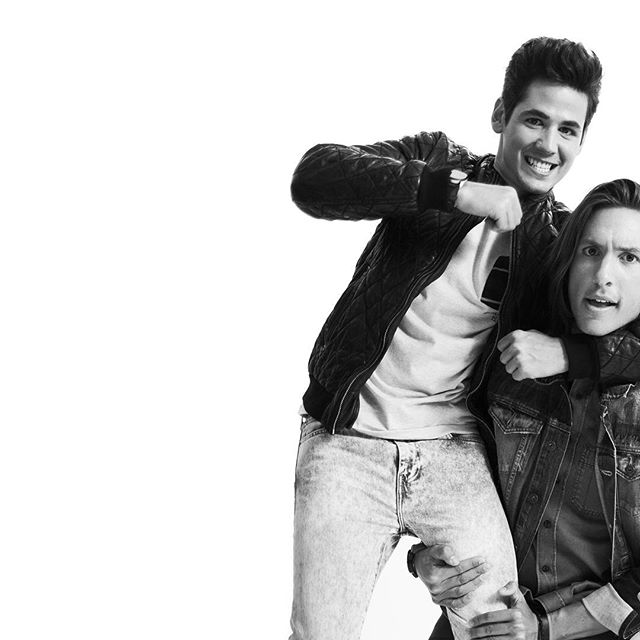 @dvicio en el set 🗣🗣🗣🗣🗣🎵🎤 Estilismo: @escolarynasra  Make up: Tamar Diaz . #portrait #retrato #editorialportrait #blackandwhite #dvicio #music #band #group #picoftheday #photooftheday #instacool #instacollage #photography #white #art #cool #musician #moda #fashion #magazine #man #men #portraitmood #portraitphotography #boys #follow #instadaily #style #photographer