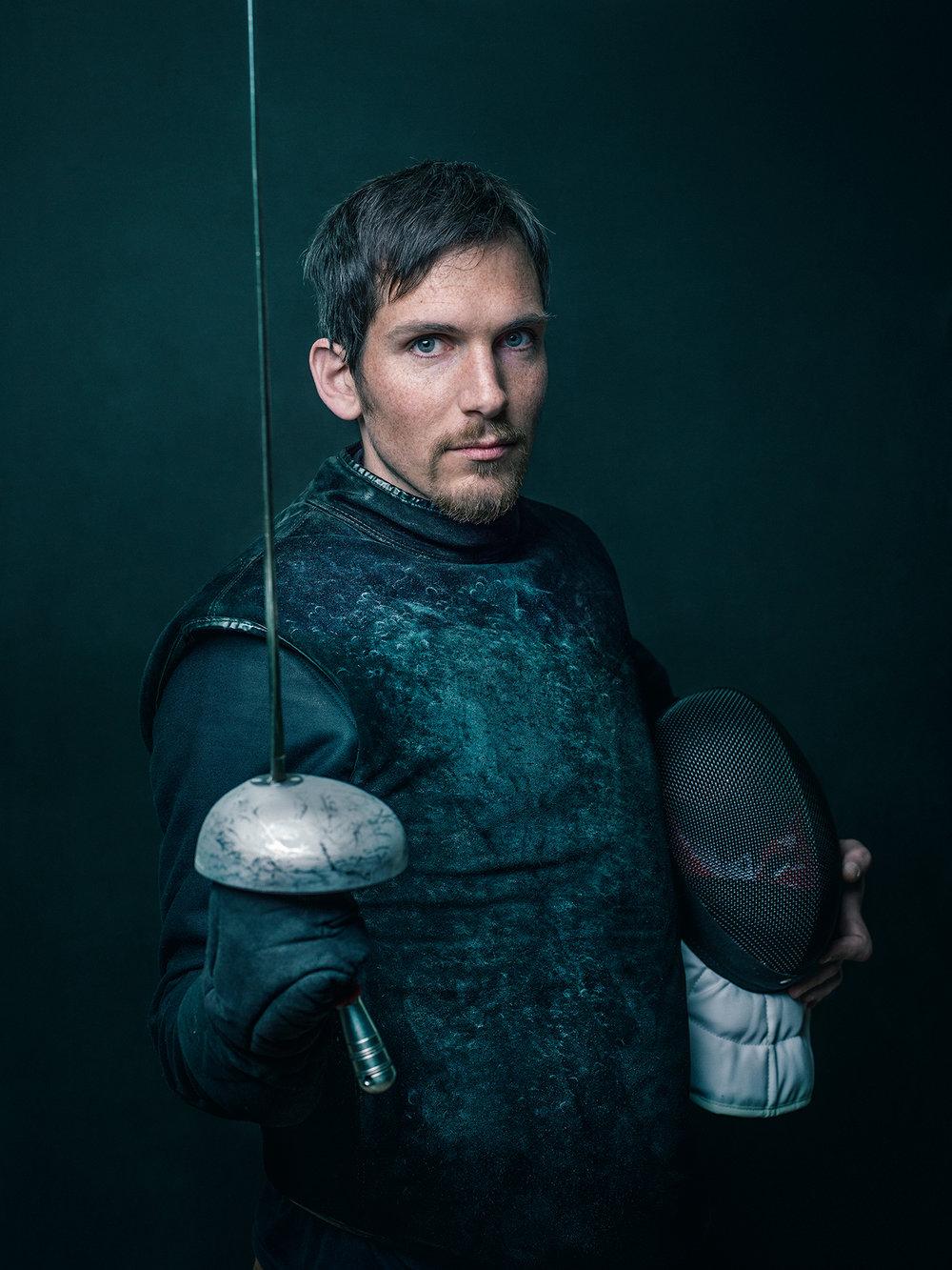 Oscar-arribas-esgrima-maestro-fencing-master-fencer-fechten-scherma-escrime-portrait-fotografo-retrato-photographer024.jpg