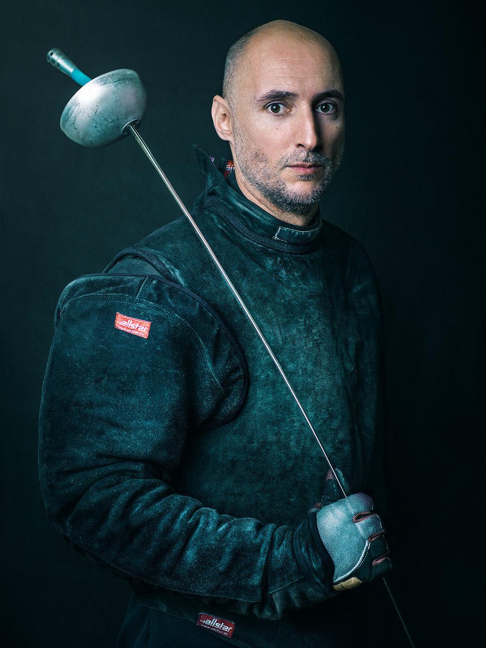 Oscar-arribas-esgrima-maestro-fencing-master-fencer-fechten-scherma-escrime-portrait-fotografo-retrato-photographer018.jpg