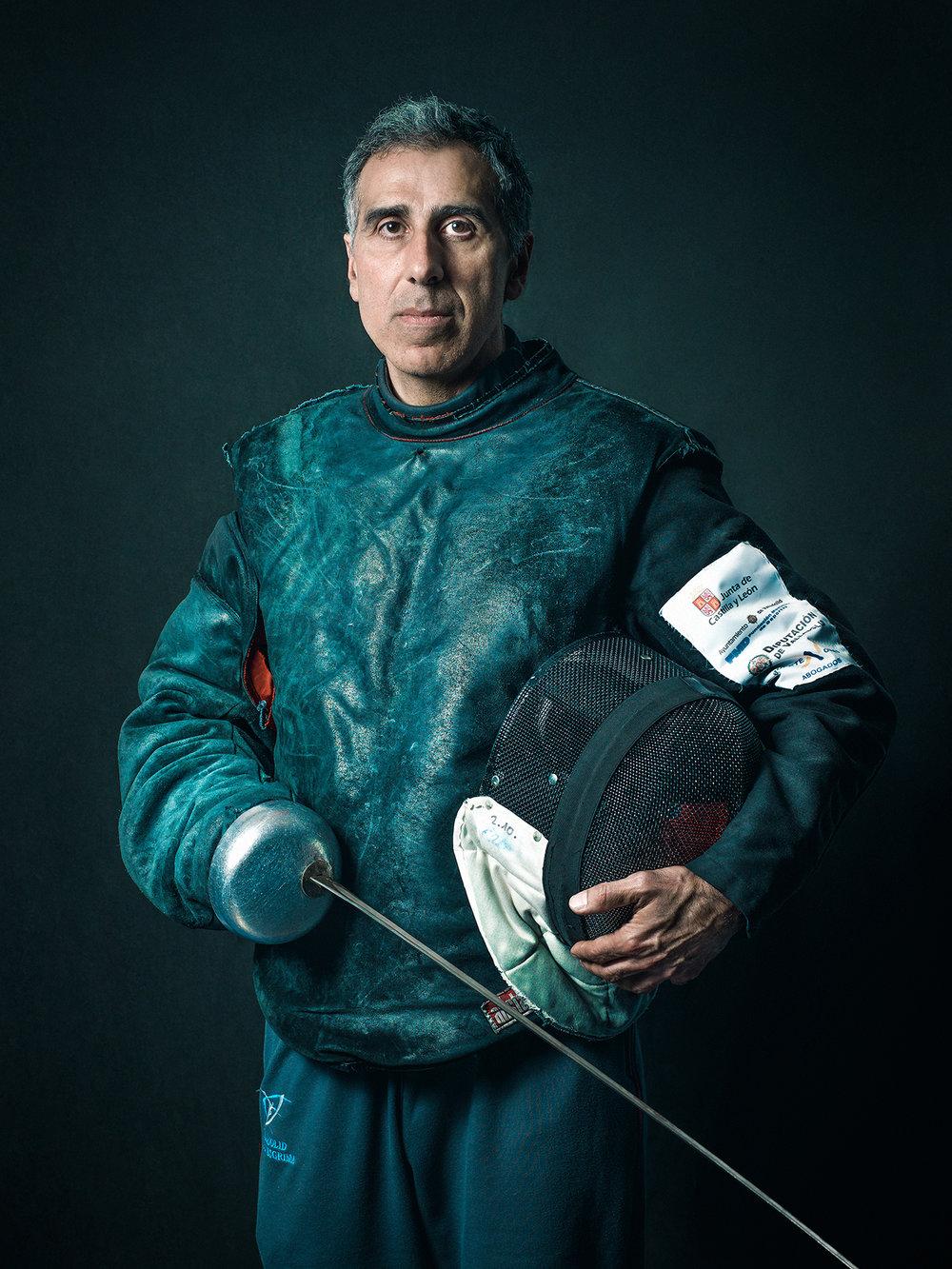 Oscar-arribas-esgrima-maestro-fencing-master-fencer-fechten-scherma-escrime-portrait-fotografo-retrato-photographer009.jpg