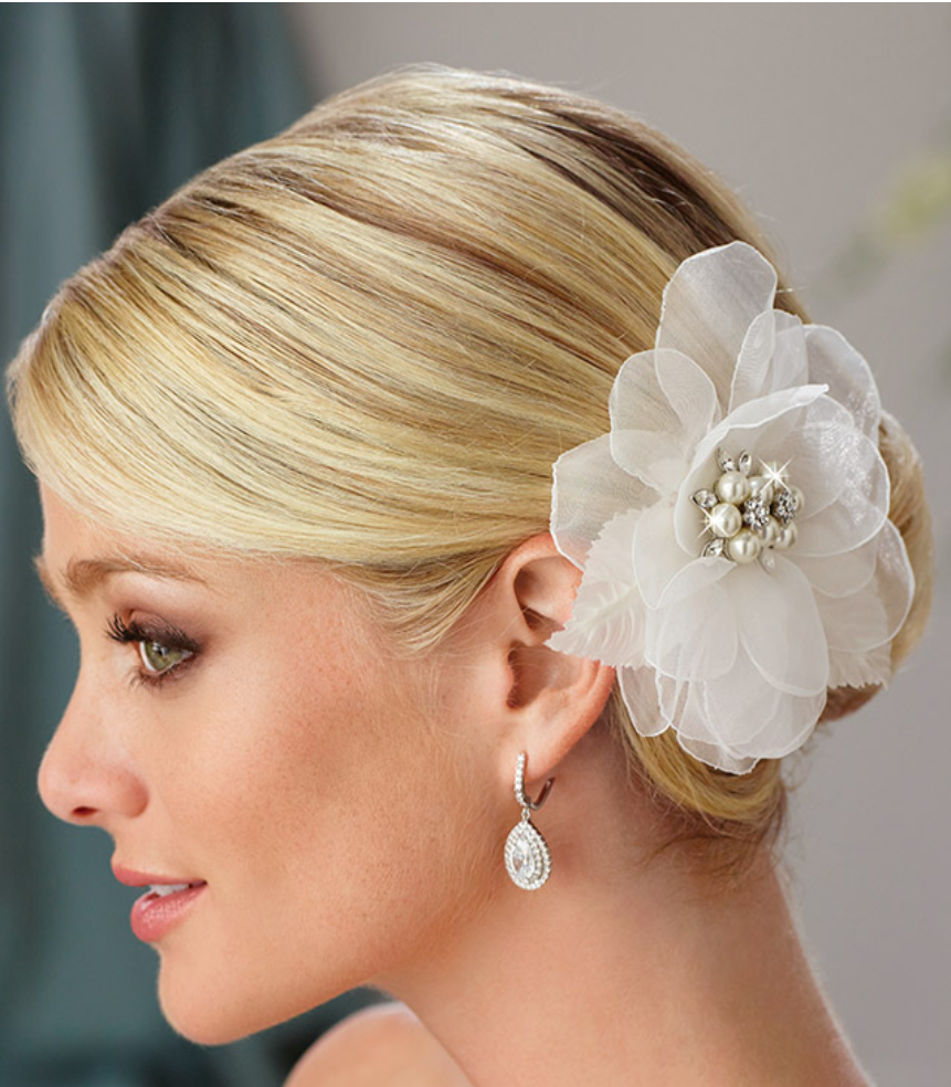 Edward Berger - Exquisite quality bridal headpieces and veils give each bride beautiful options at an affordable price.