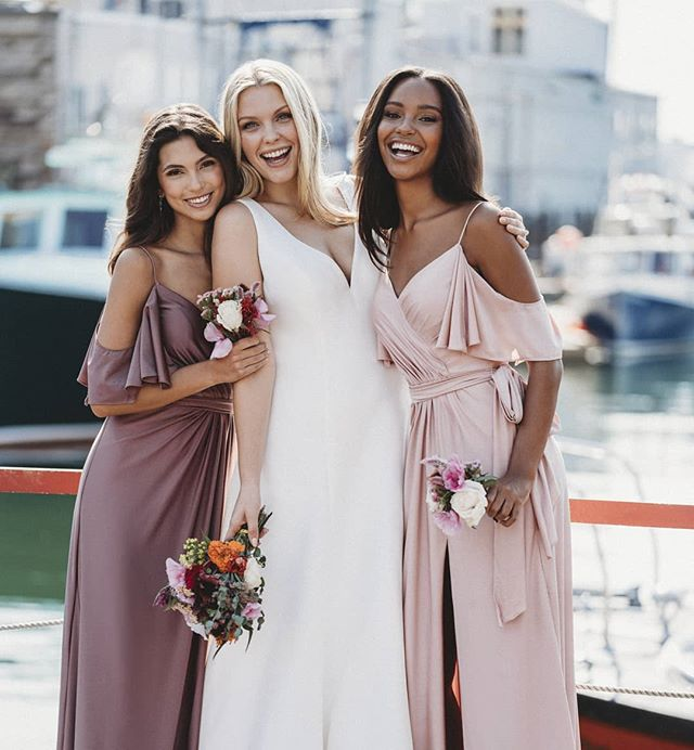 Valentine's Day calls for all the blush tones 🌸 LOVE these styles!  #eleganzagallery #allurebridals #allurebridesmaids #blushtones #valentinesday #pink #weddingdress #bridesmaidsdresses