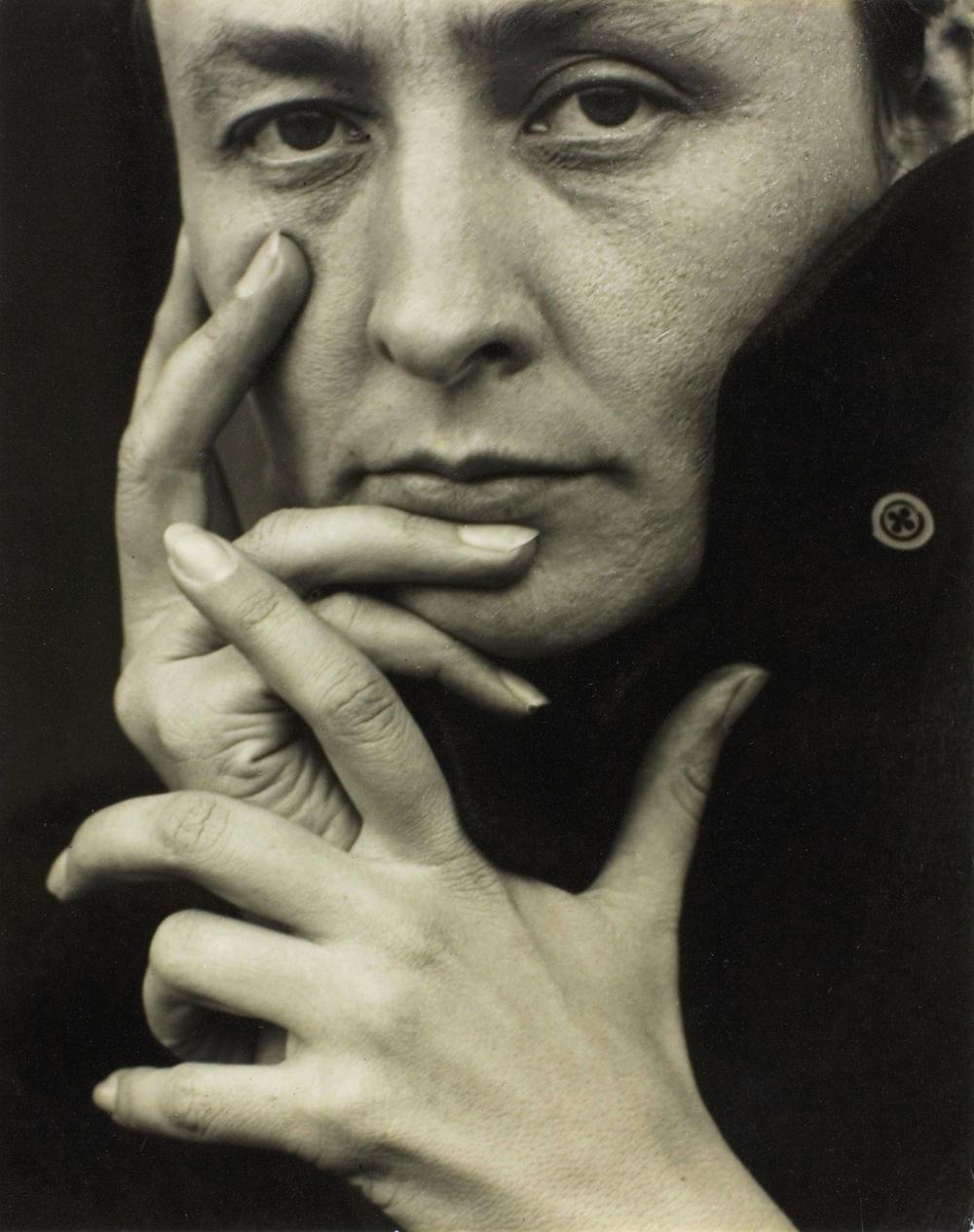 """""""Georgia O'Keeffe,Hands"""" 1918, by Alfred Stieglitz"""