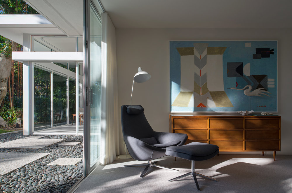 William-Rupp-Pavilion-House---Interior---Guest-Room-Scene.jpg