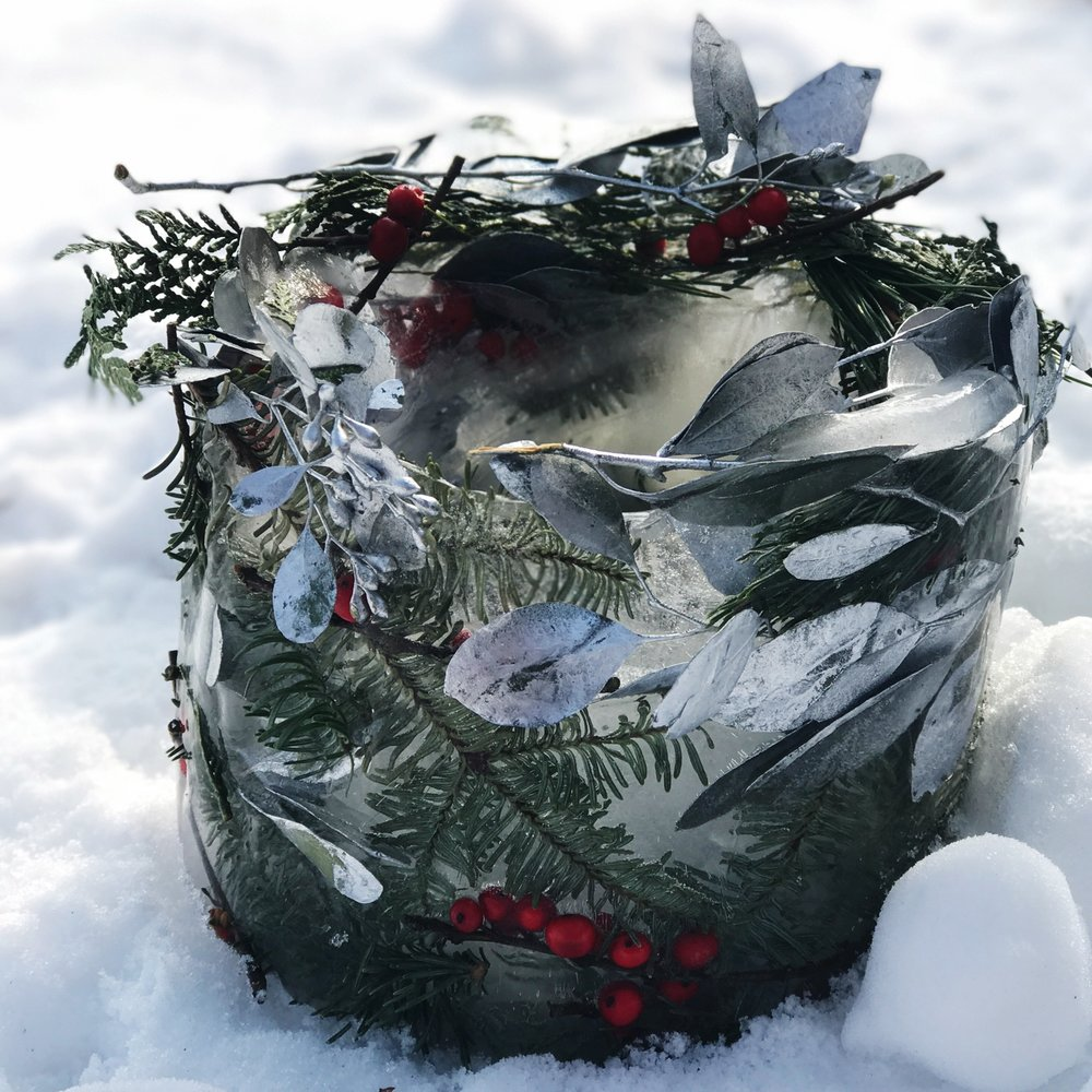 festive-ice-bucket.png