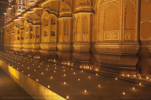 Hawa Mahal on Diwali ( Image Source )