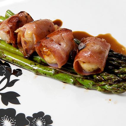 paleo bacon wrapped scallops.jpg