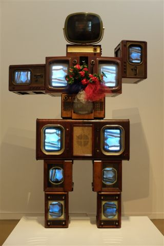 L'Olympe de Gouges by Nam June Paik at the Musée d'Art Moderne de la Ville de Paris.