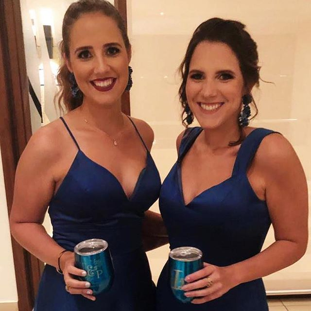 Maria Teresa e Isabella 💕luciendo sus aretes TCH Bridal! Hermosas!