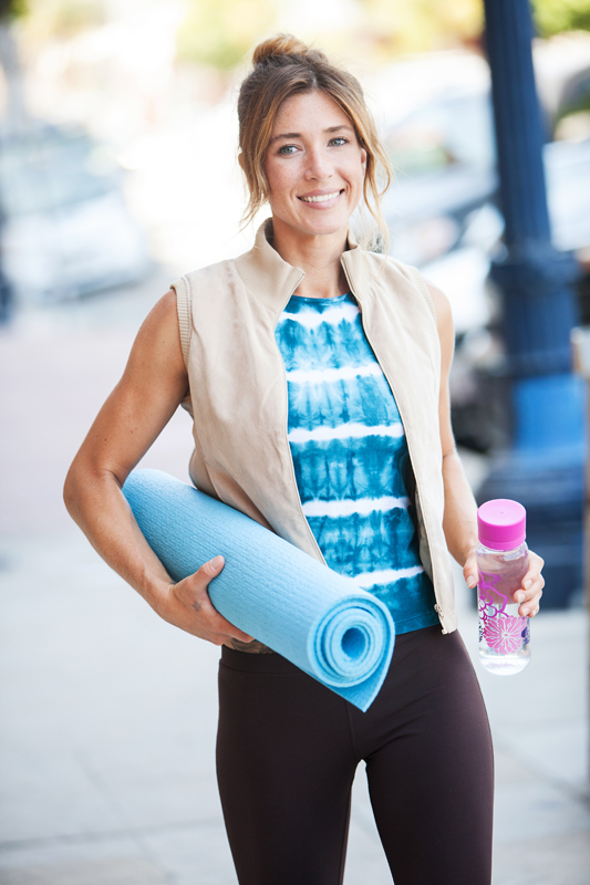 Nicole Zuelke walking to yoga class. san diego commercial photographer, san diego fitness photographer, san diego fitness photography, southern sports photographer, California sports photographer