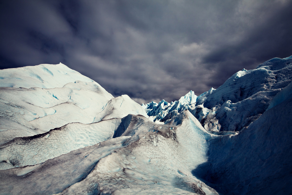 Dramatic photo of the Perito Moreno glaciar.