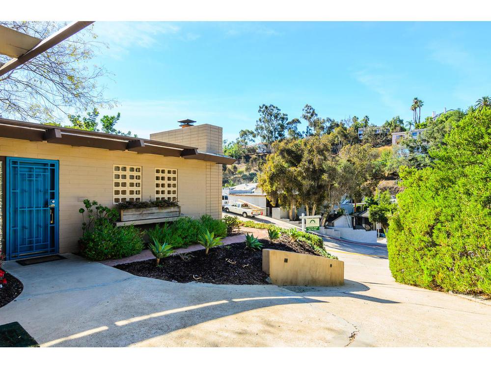 3065 Eagle St San Diego CA-MLS_Size-003-3065 Eagle Street San Diego CA-1280x960-72dpi.jpg