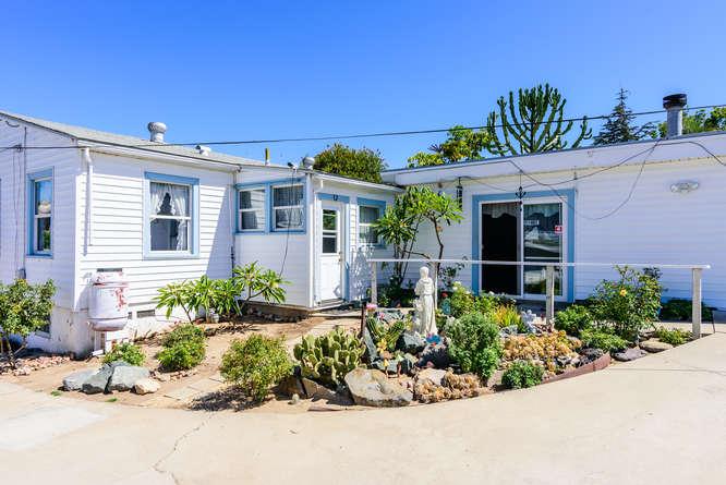 4670 Parks Ave La Mesa CA-small-023-24-4670 Parks Ave La Mesa CA-666x445-72dpi.jpg