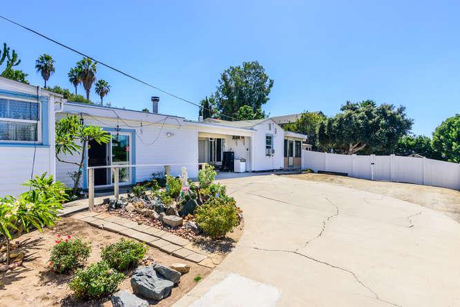 4670 Parks Ave La Mesa CA-small-024-15-4670 Parks Ave La Mesa CA-666x445-72dpi.jpg
